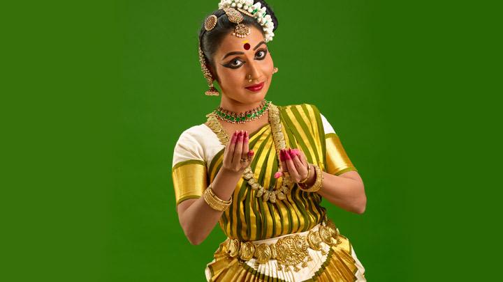 Mohiniyattam The Classical Dance Of Kerala Kerala Tourism