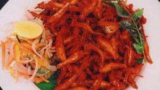 Kozhuva Varuthathu (Anchovies Fry)