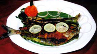 Grilled Pomfret  Fish or Meen Pollichathu
