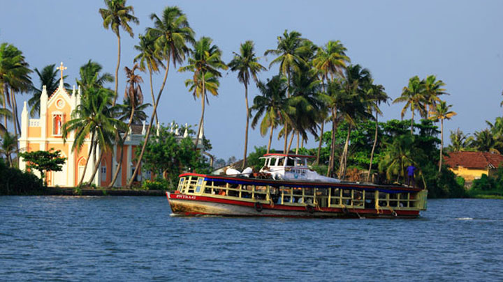 Alappuzha: Aqua Tourism circuit in Kerala