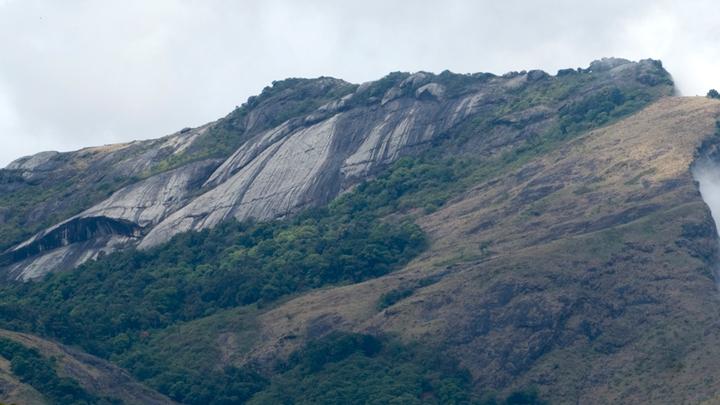 Dhoni Hills & Waterfalls
