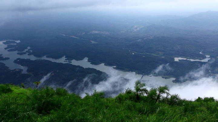 Ilaveezhapoonchira - a valley in Kottayam ideal for trekking