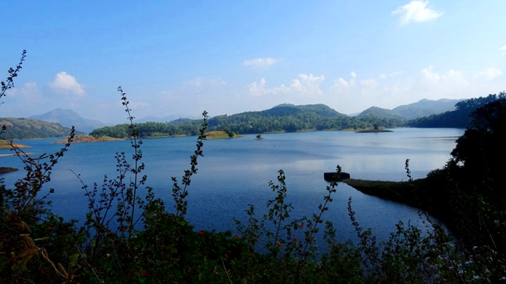Kulamav dam - part of Idukki reservoir
