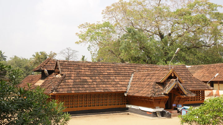 Kulathupuzha - a village famous for the Lord Ayyappa Temple in Kollam