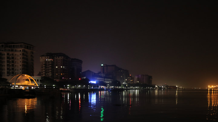 Marine Drive - a popular hangout in Kochi, Ernakulam