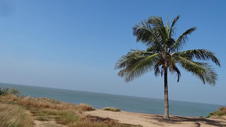 Meenkunnu Beach near Azhikode, Kannur