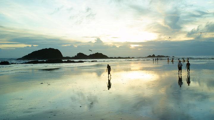 Muzhappilangad Drive-in Beach, Kannur - Kerala Trips