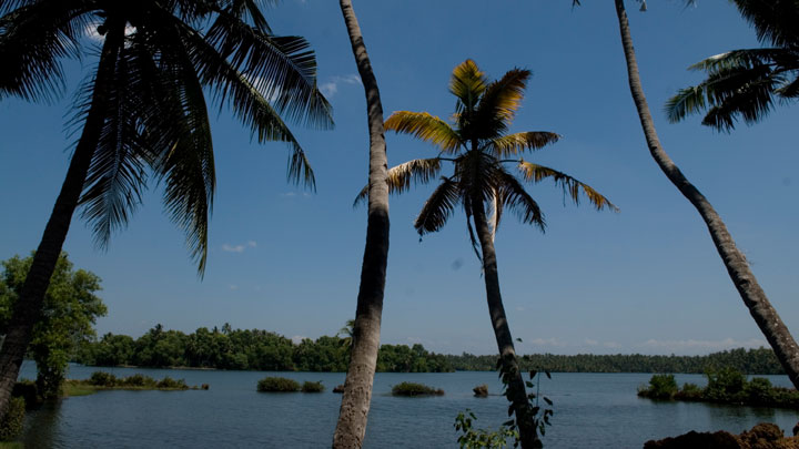 Ponnumthuruthu Island, Thiruvananthapuram