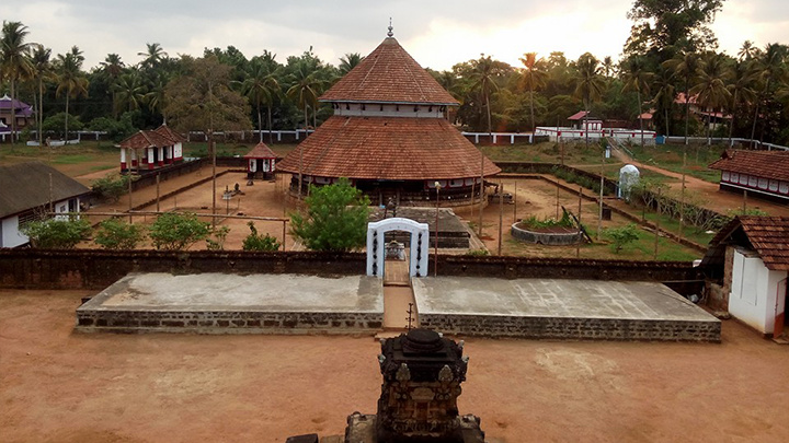 Sree Mahadeva Temple at Iranikulam