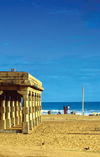 Shankhumugham Beach, Thiruvananthapuram