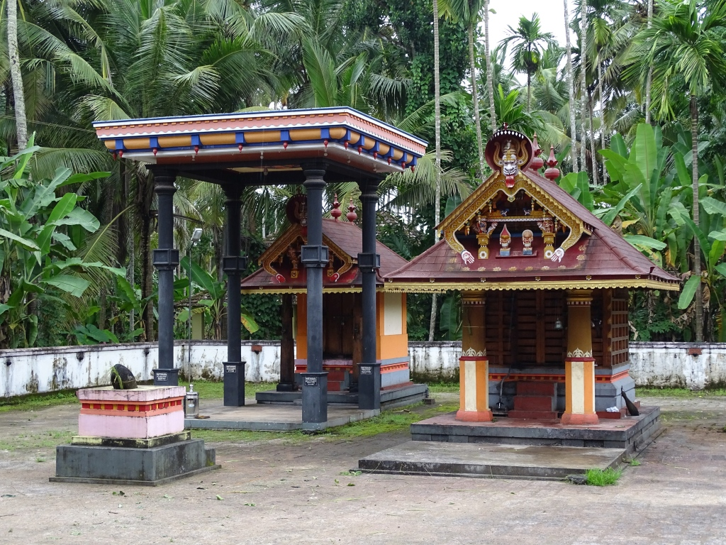 Angakalari Sree Vettaikorumakan Kottaram Padaarkulangara Bhagavathy Temple