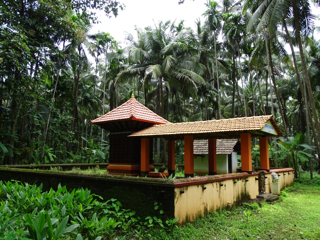 Podothuruthi Oorpazhassi Vettaikkorumakan Temple