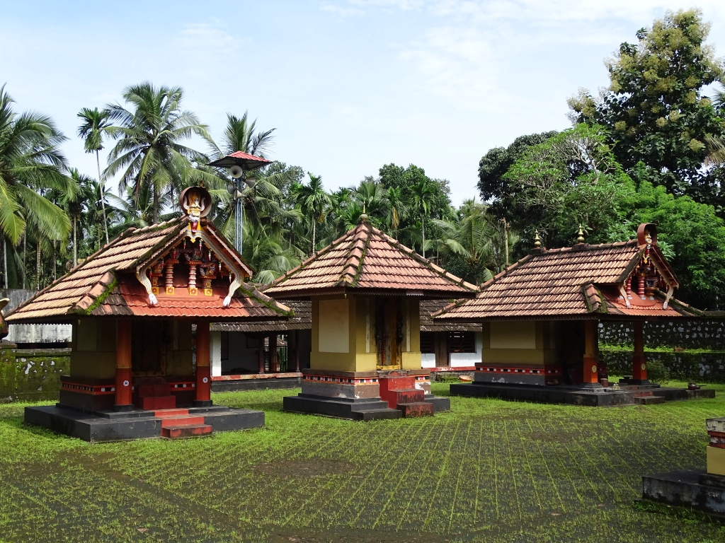 Pothavoor Sree Meledath Poomaala Bhagavathy Kavu Mundya