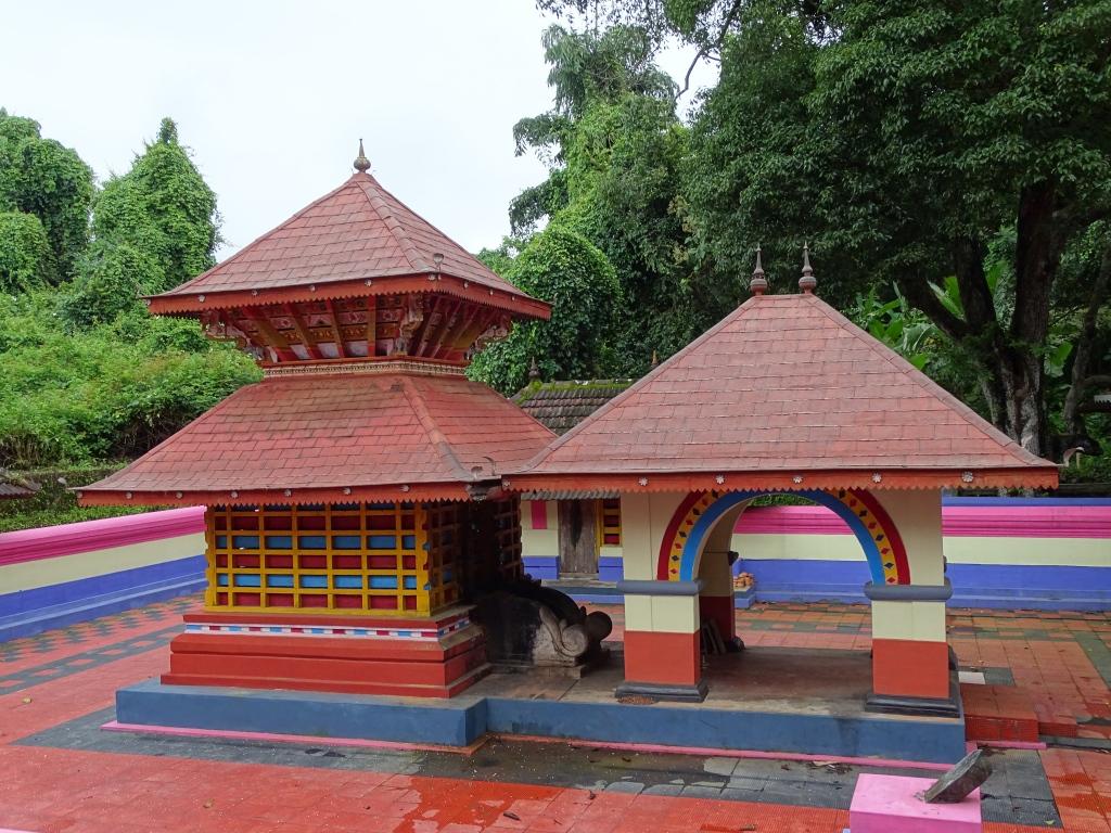 Sree Vettaikkorumakan Temple, Madikai