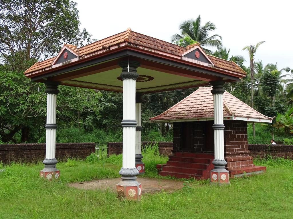 Thalichalam Mundyathalinkeezhil Vishnumoorthy Temple