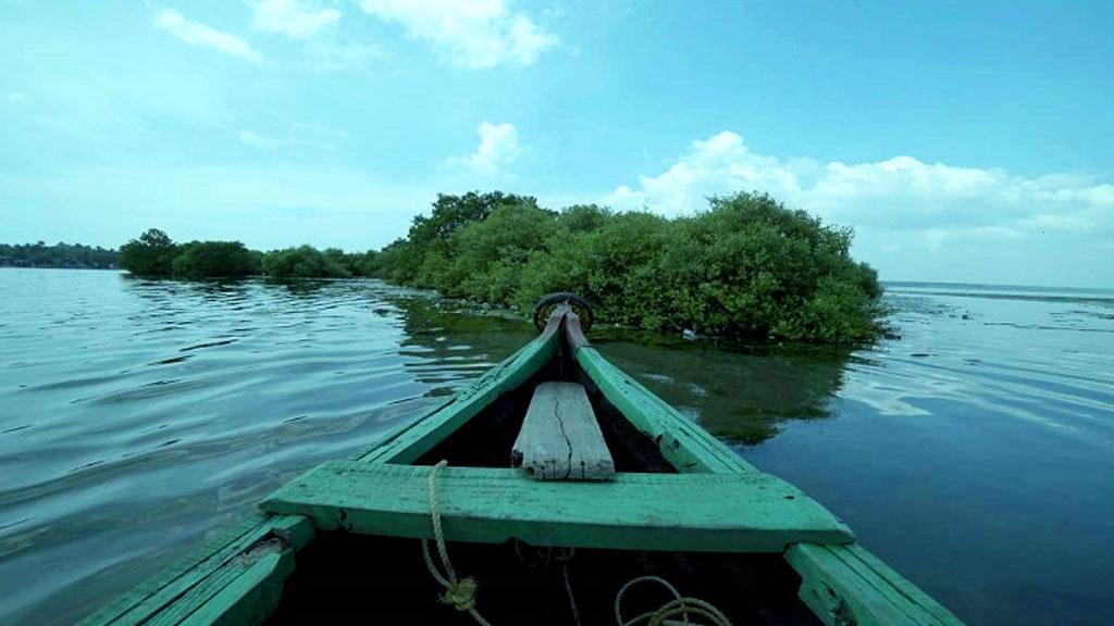 Boating at Sambranikodi