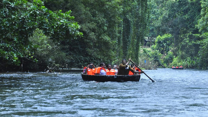 Coracle Rafting or Bowl Boat Riding at Konni Eco-tourism Centre at Pathanamthitta