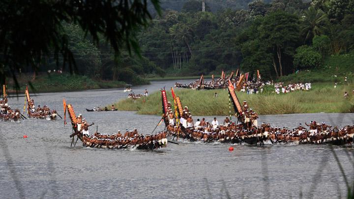 Vallasadya adorns the unique heritage of Aranmula