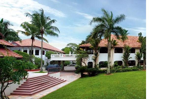 Best Five-Star Deluxe Hotel - Vivanta by Taj Malabar, Kochi