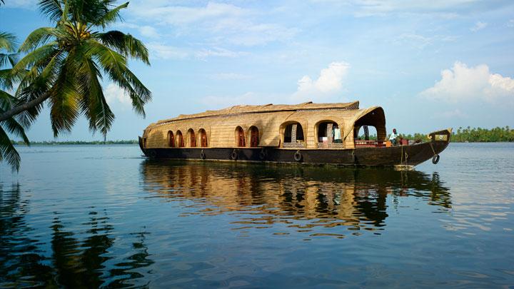 Captivating backwater world of Kumarakom in Kottayam