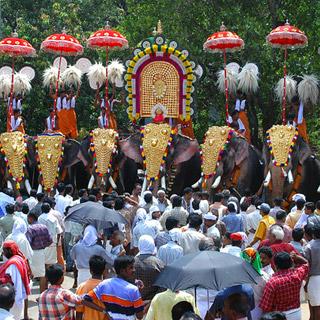 Nenmara Vallangi Vela