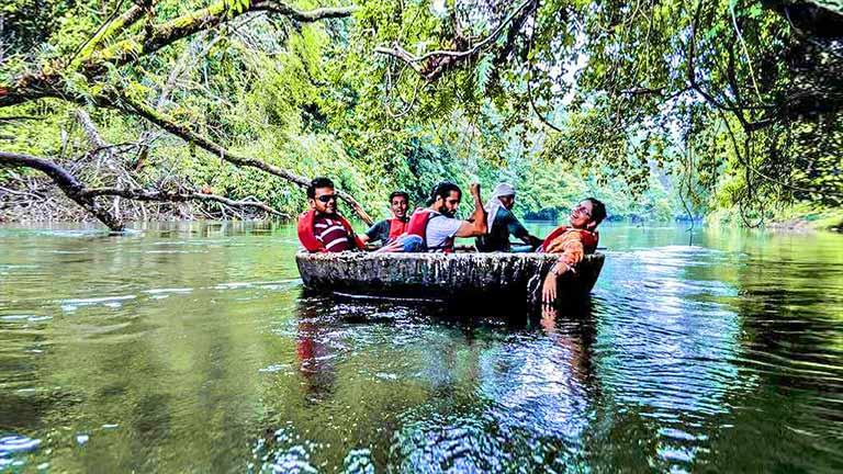 Coracle boating @ Adavi