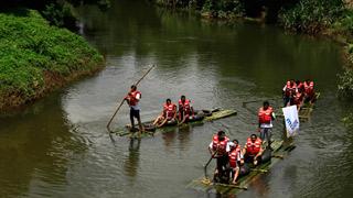 الابحار في النهر