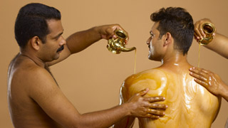 Sarvangadhara with Oil - Ayurveda Therapy