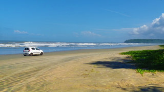 Muzhuppilangad Drive-in-beach, Kannur