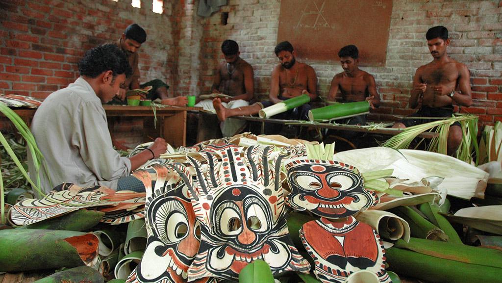 Making of Patayani Kolam