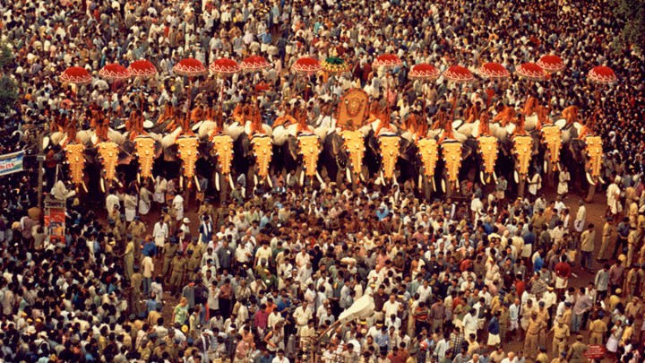 Lord Vadakkunnathan Malayalam festival in Vadakkunnathan Temple Thrissur Pooram HD Wallpapers