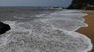 Пляж Аади Кадалай