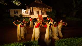 Graceful dance by women groups - Thiruvathira