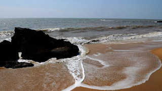 شاطئ كيزونا