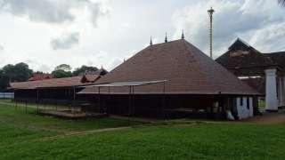 Koothambalam, templo Kidangoor Subrahmanya