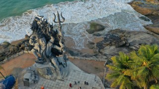 Kovalam - Picture of the 58-ft-tall statue of Lord Shiva in Azhimala