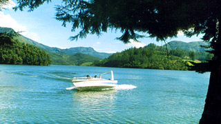 Mattupetty lake - ideal spot for boating