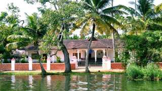 Click here to view the details of Sunny Days Alleppey