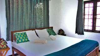 Susy's Seaview Apartments Homestay