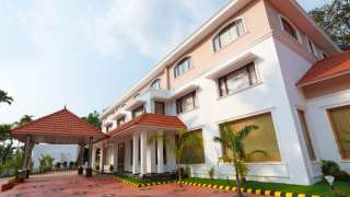 Click here to view the details of Hotel Green Palace