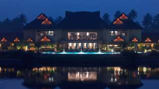 Click here to view the details of The Zuri Kumarakom, Kerala Resort & Spa
