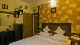 Click here to view the details of Blue Bell Airport Hotel