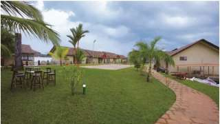 Click here to view the details of Emarald Pristine Island Resort, Alappuzha