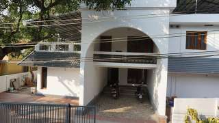 Click here to view the details of Kochi Hillock Homestay