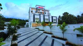 Click here to view the details of Hotel Dewland Cochin