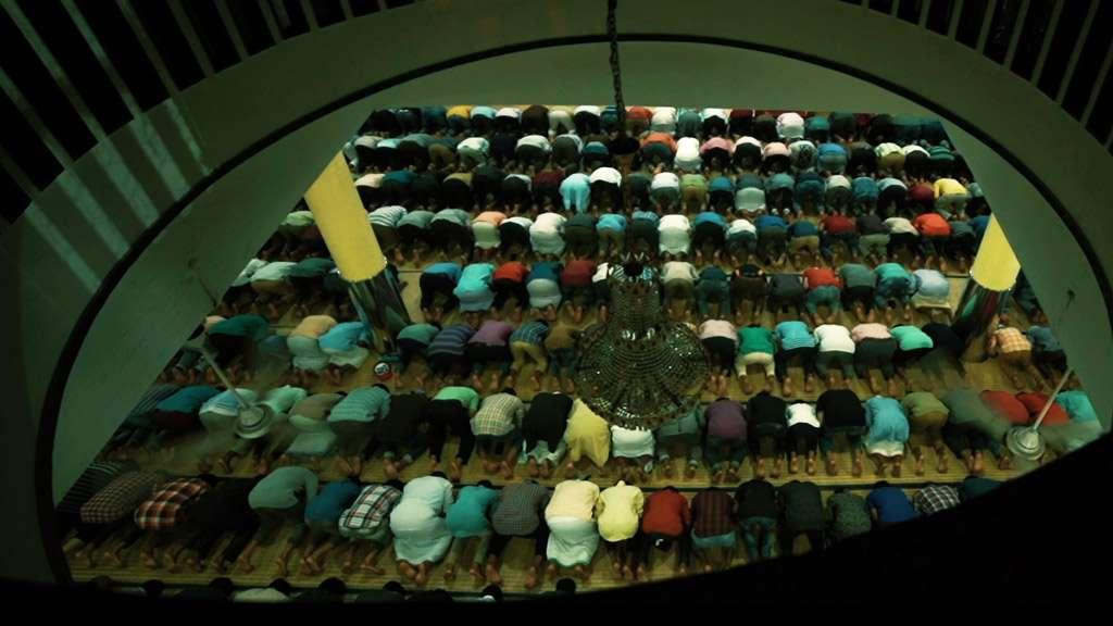 Devotees offering prayer