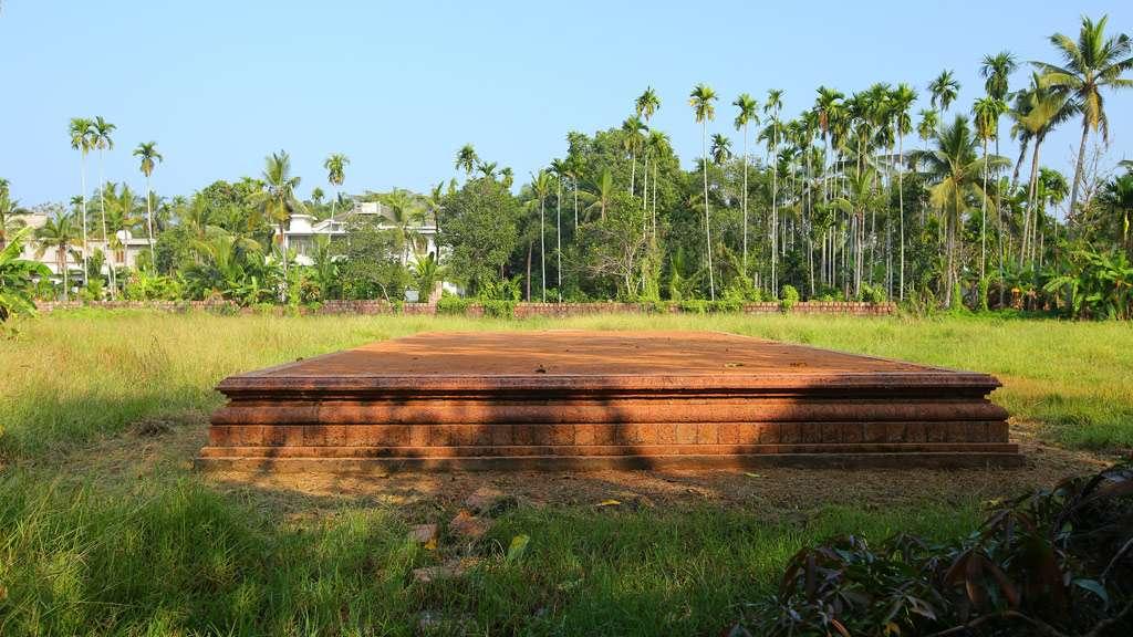 Ponniam Vayal side view