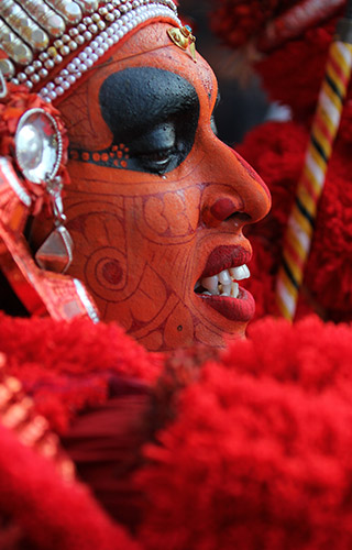 Calendrier Theyyam