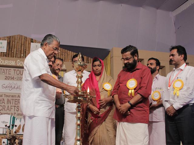 Mr. Pinarayi Vijayan, Chief Minister, Kerala inaugurating the award ceremony