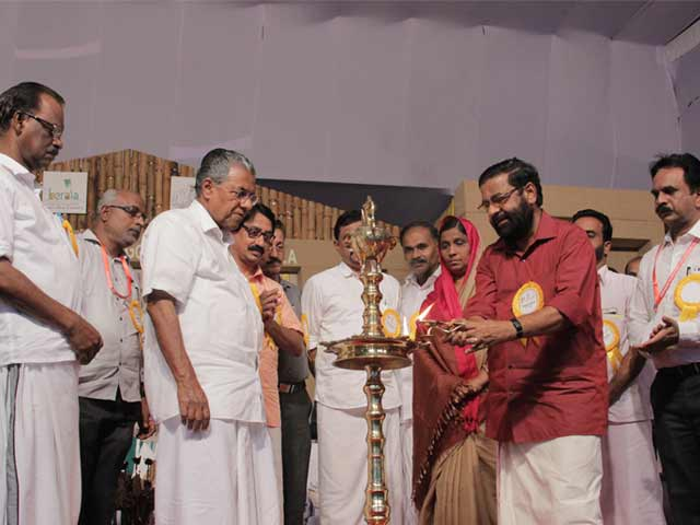 Mr. Kadakampally Surendran, Minister for Tourism, Kerala at the award ceremony